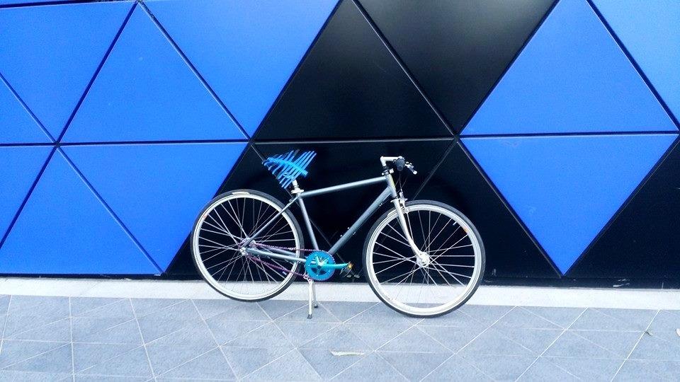 Manta saddle on architecture